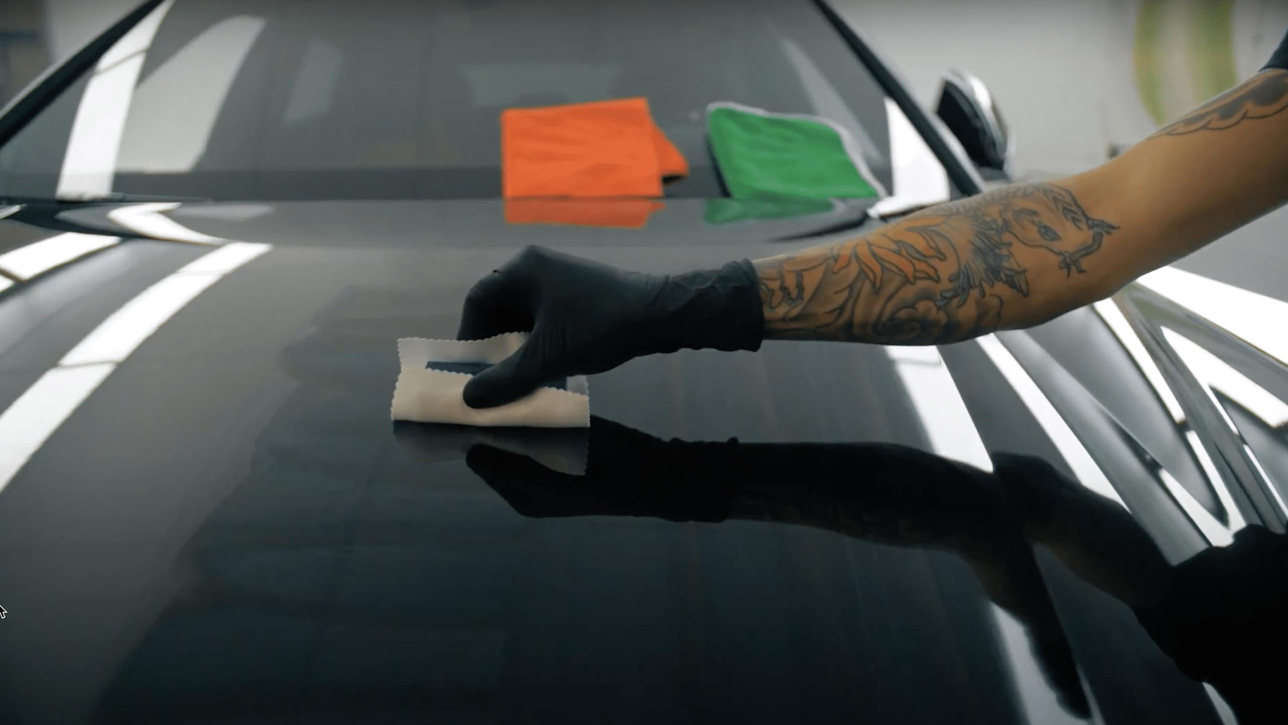 High-end Detailing - Glascoating - hood Lamborghini